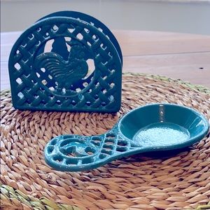 Set of 2 cast iron napkin holder and spoon rest